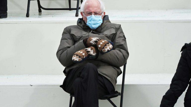 """Mănușile lui Bernie Sanders vor fi produse """"pentru toată lumea"""""""