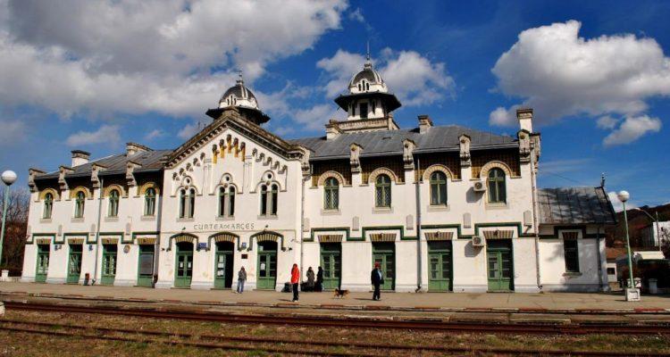 Gara Regală din Curtea de Argeș