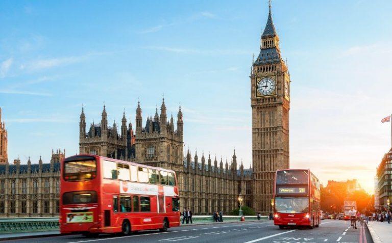 Marea Britanie a ieșit definitiv din Uniunea Europeană