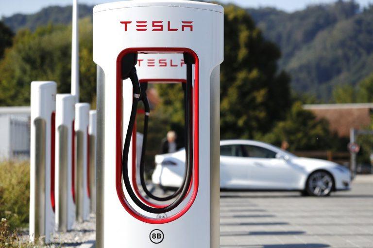 Gigantul american Tesla investește la Pitești