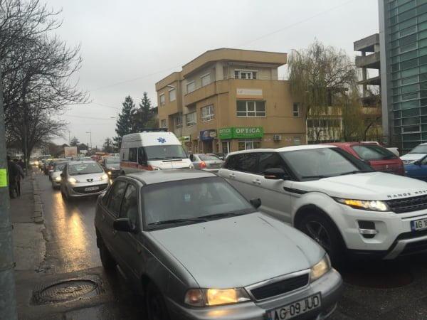 """Emanuel Soare: """"Primăria Pitești nu a implementat încă măsurile de fluidizare a traficului odată cu începerea școlii în format fizic"""""""