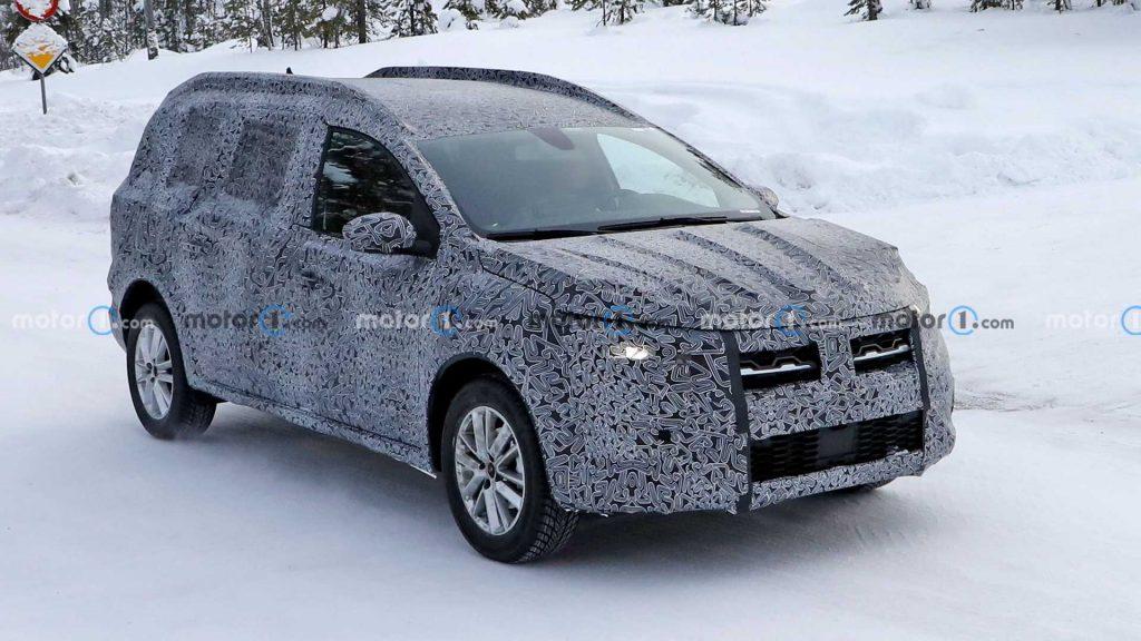 Noul crossover Dacia aproape de lansare