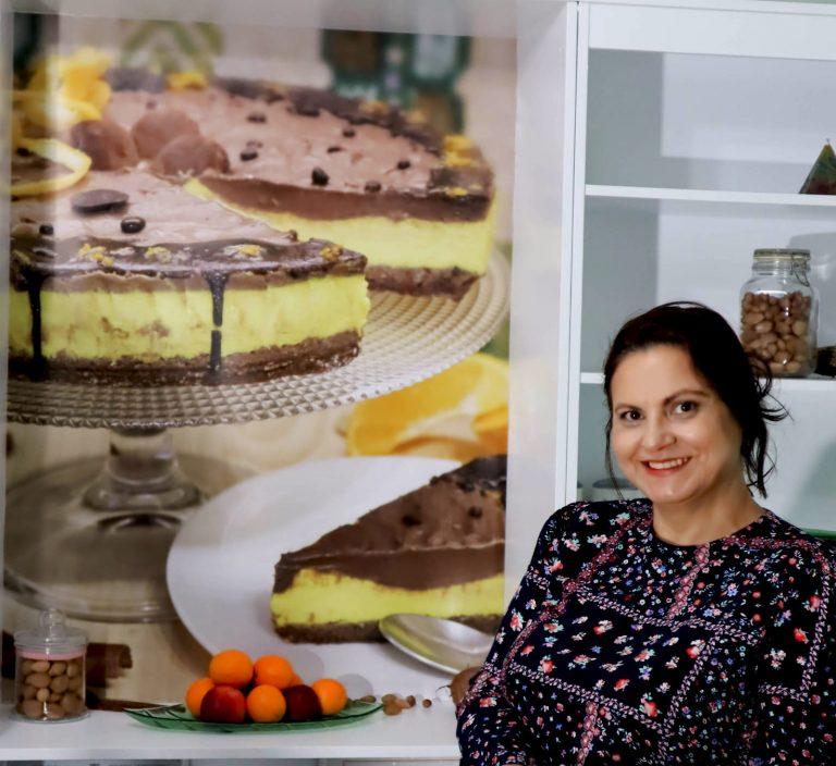 Povestea Roxanei Bucurenci și a singurei cofetării cu specific raw vegan din Argeș