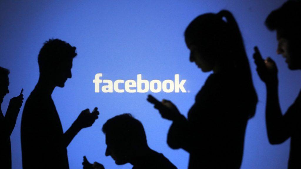 Etichete Facebook