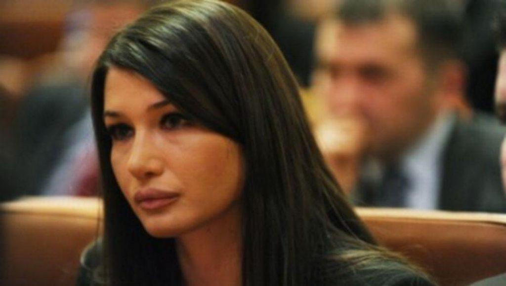 Elena Băsescu angajată de PSD