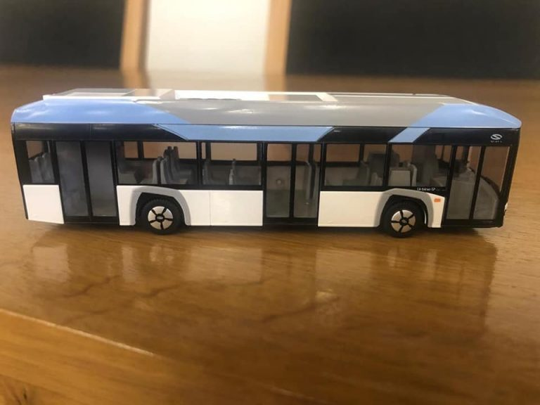 Primul autobuz electric Solaris a ajuns la Pitești, sub formă de machetă