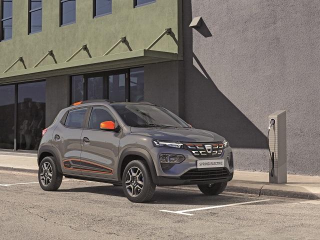 S-au reluat înscrierile pentru Dacia Spring