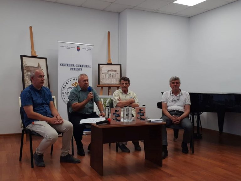 """""""Locuri literare piteștene"""" – o carte altfel despre Pitești"""