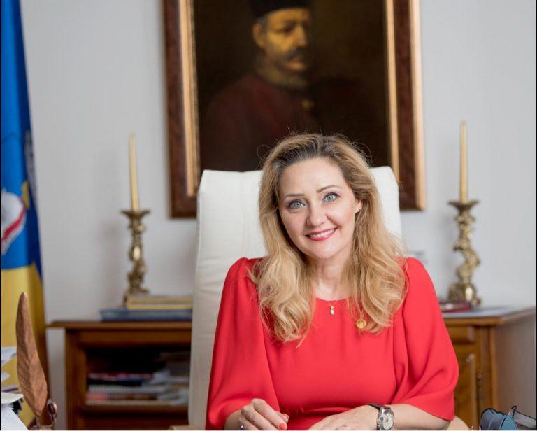 Elena Lasconi va prezenta un raport de activitate la un an de mandat